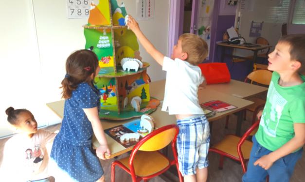 La classe de maternelle, un lieu de jeu. Si on jouait à Sauve-Moutons ?