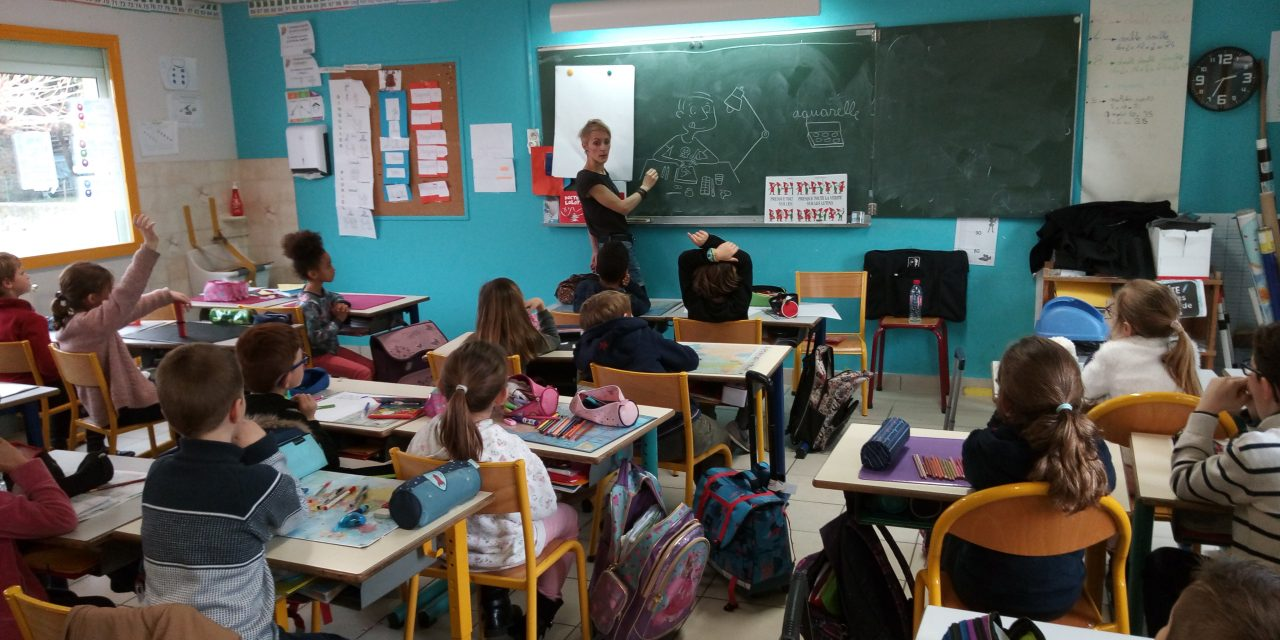 Une auteure en classe de CE1-CE2